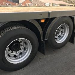 SCANIA P270 6X2 FLAT BED TRUCK Idea scaffolding 10 tyre twin tag