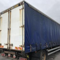 Renault PRIMIUM 18 ton curtain side truck with tail lift Manual gearbox sleeper cab
