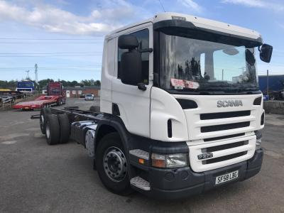 SCANIA P270 6X2 TAG AXLE Chassis cab