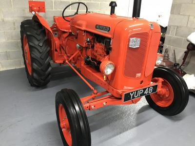 NUFFIELD UNIVERSAL 3 VINTAGE TRACTOR Show winner