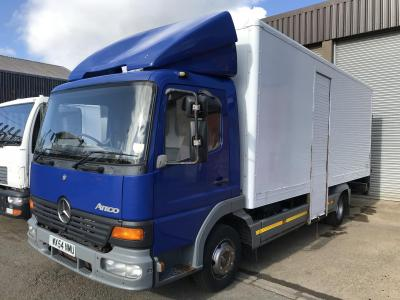 Mercedes-Benz Atego 815 box truck Manual gearbox steel suspension